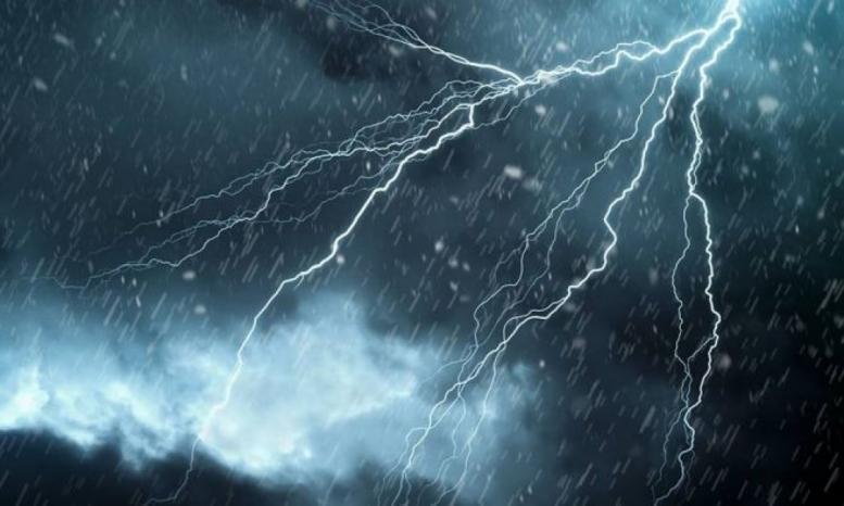اليوم.. تقلبات جوية وأمطار رعدية
