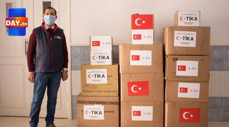 تركيا تزود مستشفى الحامة بمواد طبية (صور)