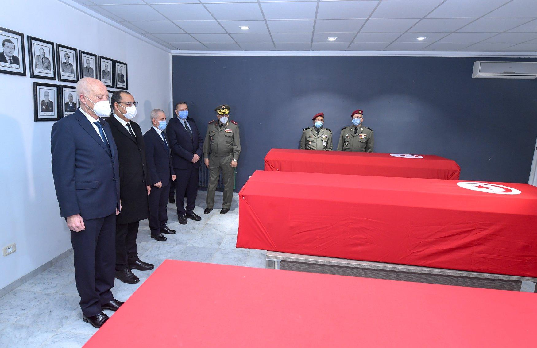 رئيس الجمهورية يؤبّن شهداء المؤسسة العسكرية الخمسة