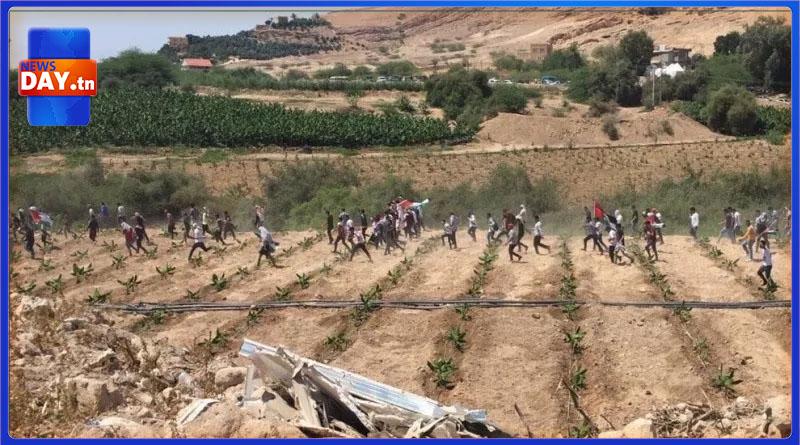 لأول مرة: الشعب الأردني يقطع السياج ويدخلون إلى الأراضي الفلسطينية (فيديو)