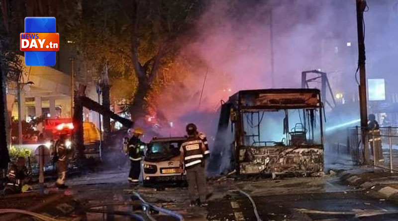 قصف تاريخي : كتائب القسام تقصف تل أبيب بـ130 صاروخا… قتلى وجرحى وأضرار مادية ( شاهد)
